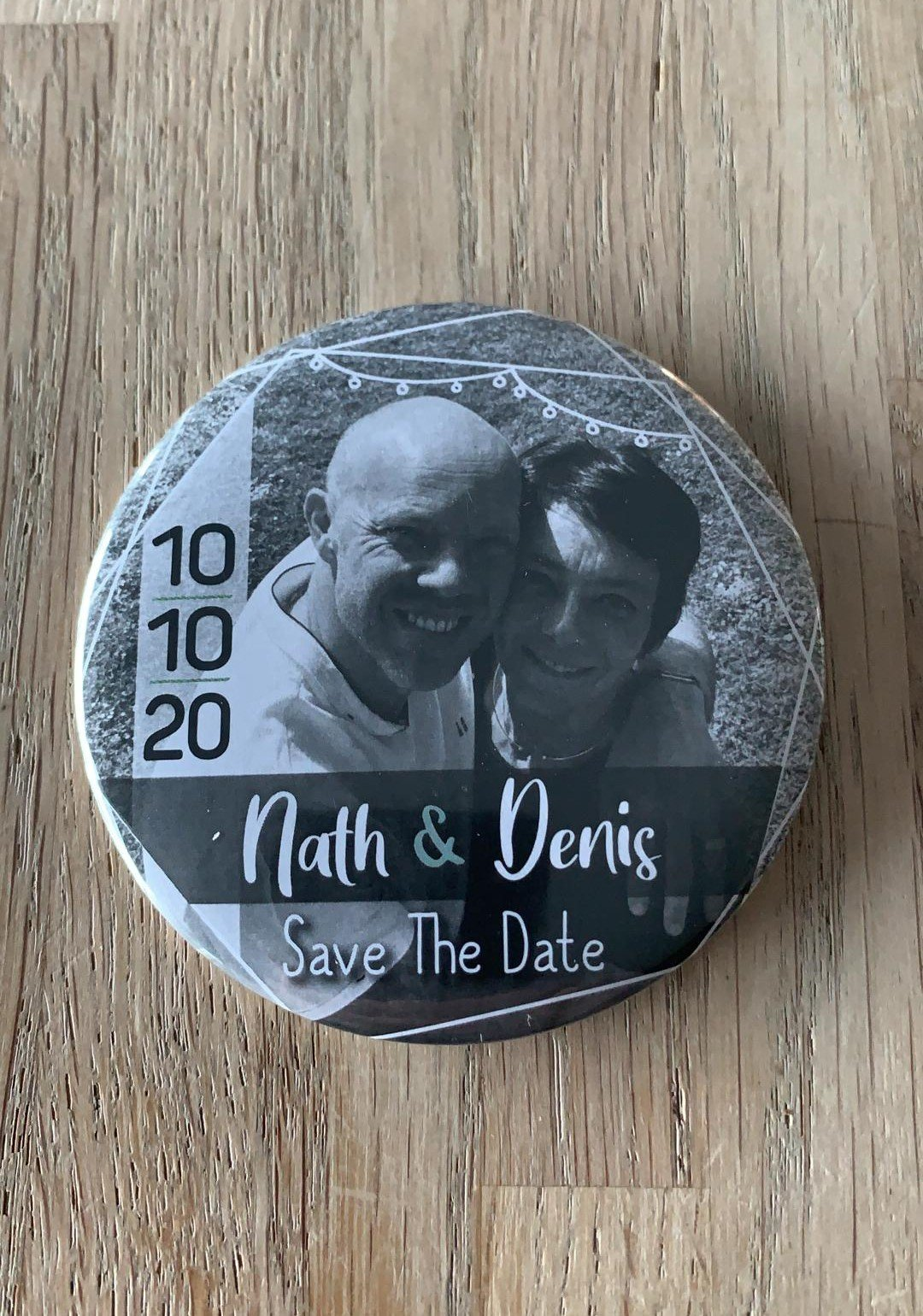 creativevent wedding planner badge save the date
